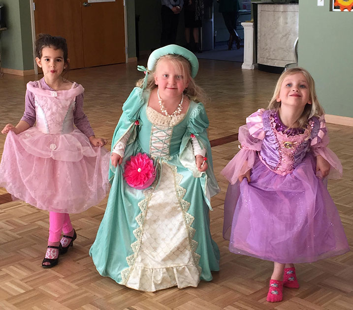 kids dressed as princess dance class